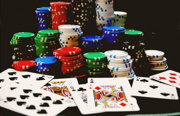Enjoy gambling online with friends