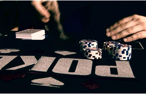 How can poker help you to develop your thinking level?